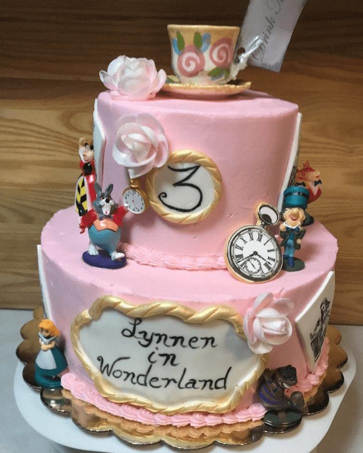 Fine Alice in Wonderland Cake