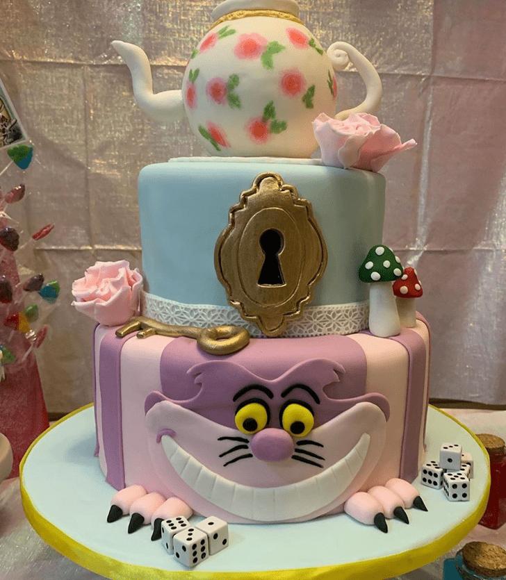 Good Looking Alice in Wonderland Cake