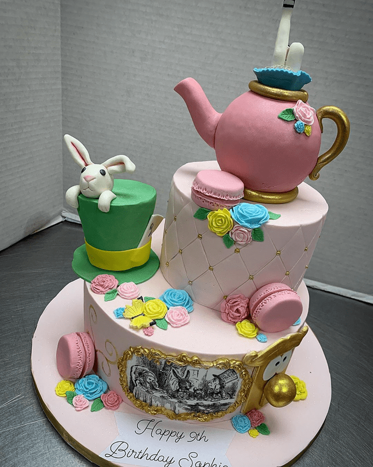 Lovely Alice in Wonderland Cake Design