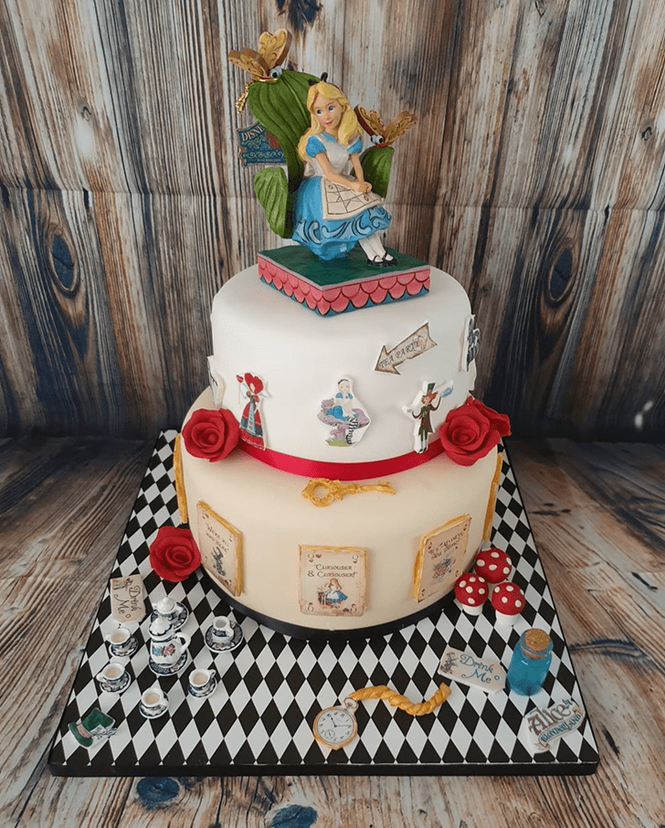 Marvelous Alice in Wonderland Cake