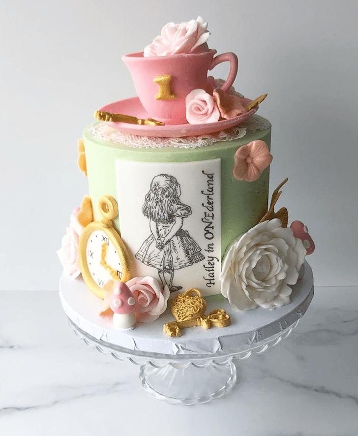 Pleasing Alice in Wonderland Cake