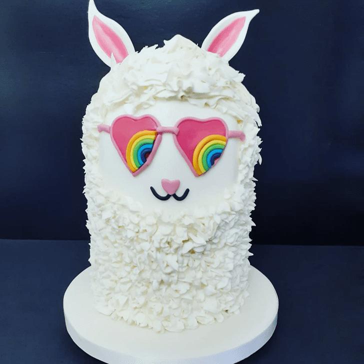 Shapely Alpaca Cake