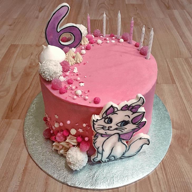 Good Looking Aristocats Cake