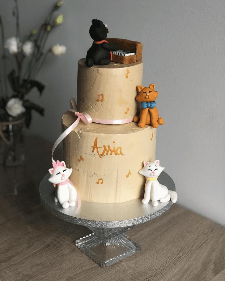 Pretty Aristocats Cake