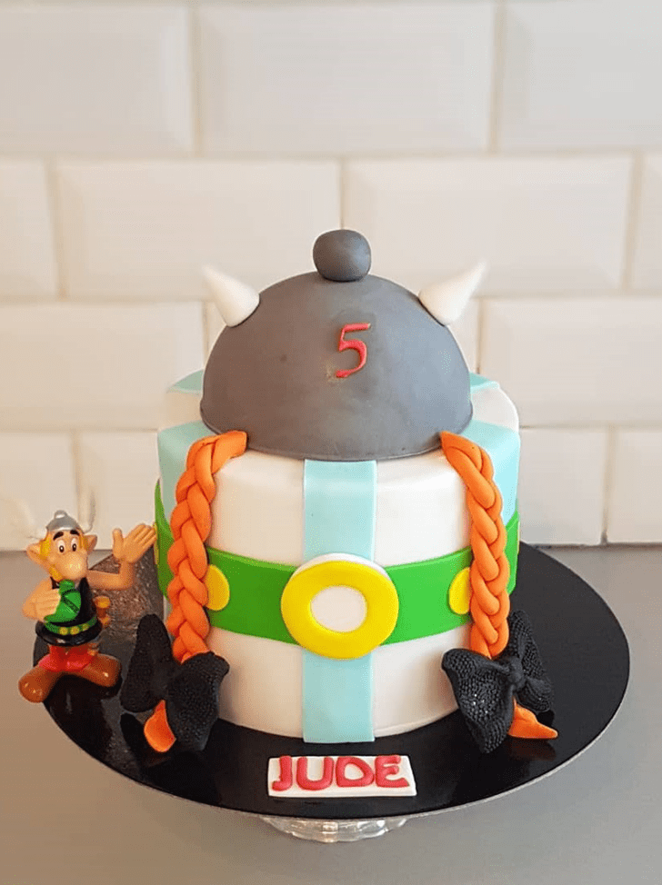 Beauteous Asterix Cake