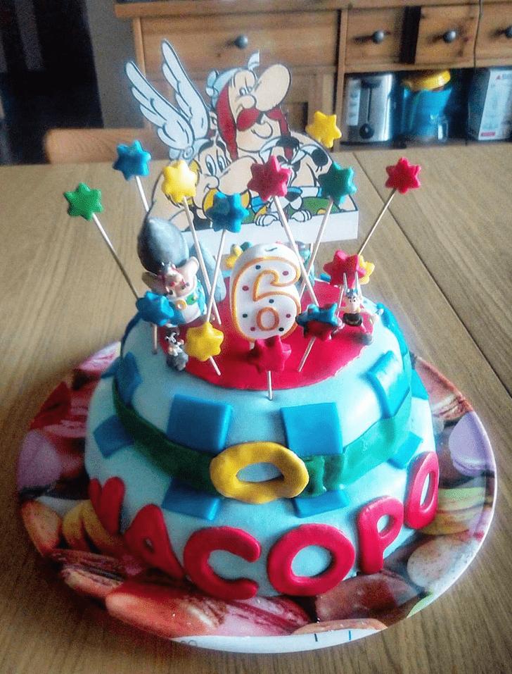 Elegant Asterix Cake