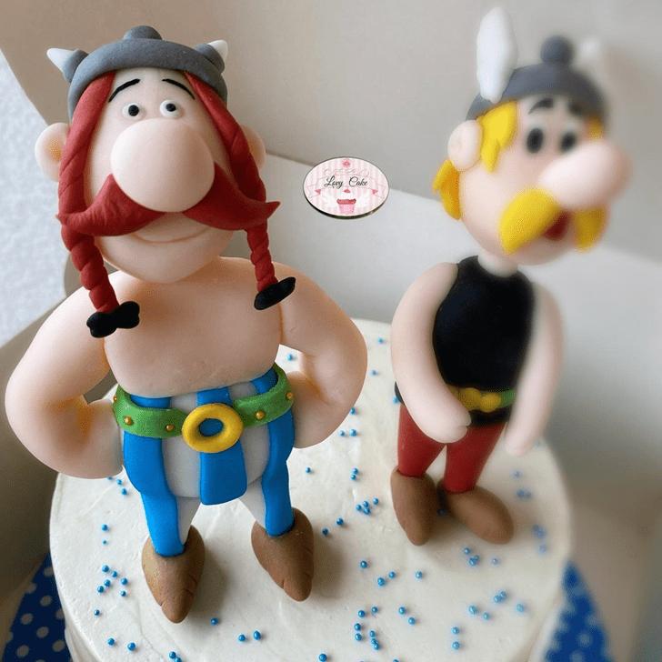 Inviting Asterix Cake