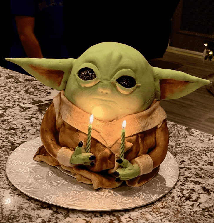 Comely Baby Yoda Cake
