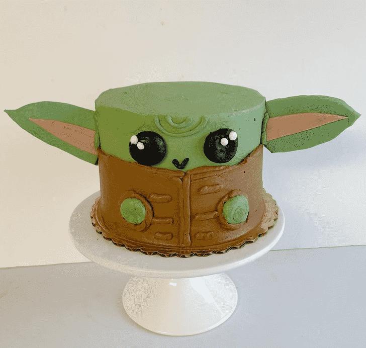 Grand Baby Yoda Cake