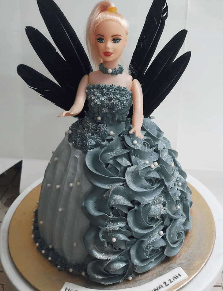 Comely Barbie Cake