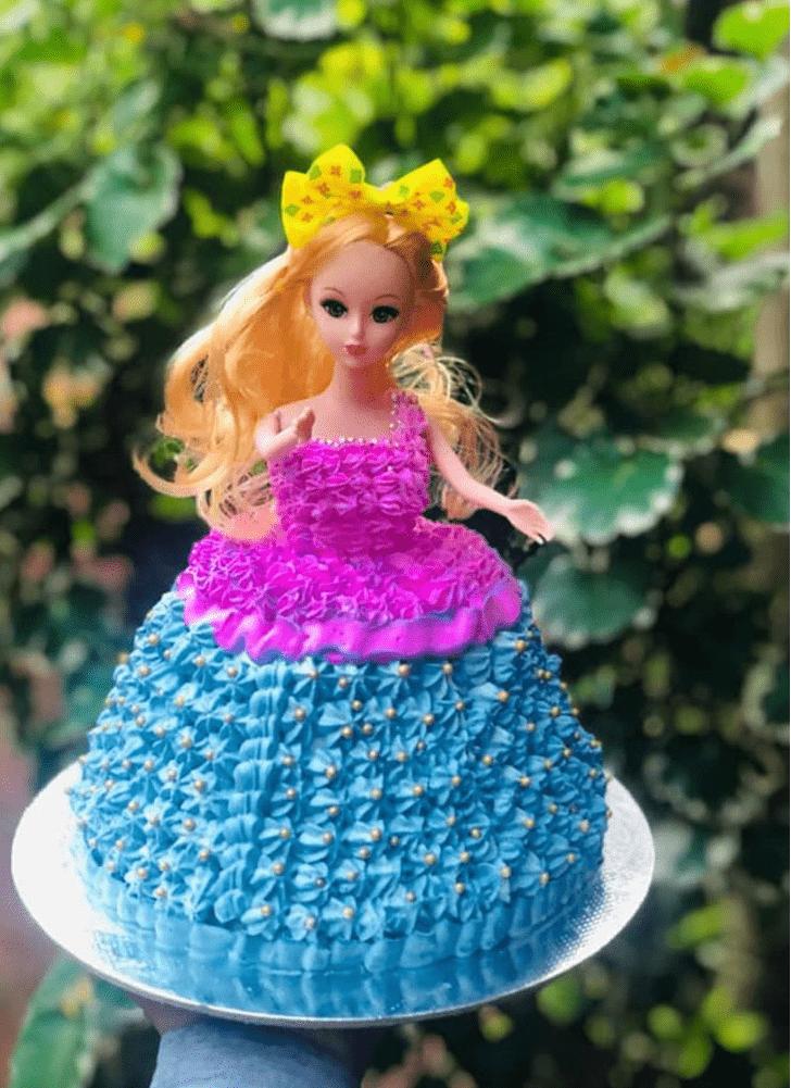 Grand Barbie Cake