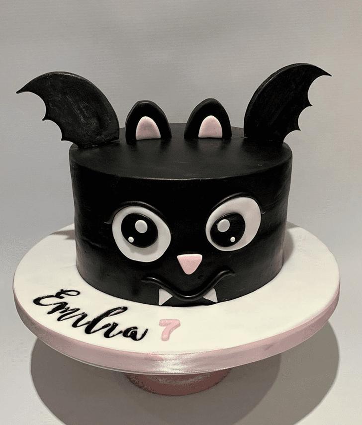 Wonderful Bat Cake Design