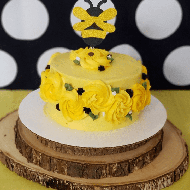 Ideal Bee Cake