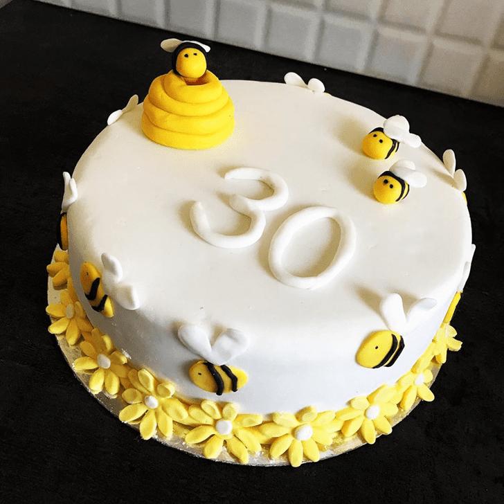 Marvelous Bee Cake