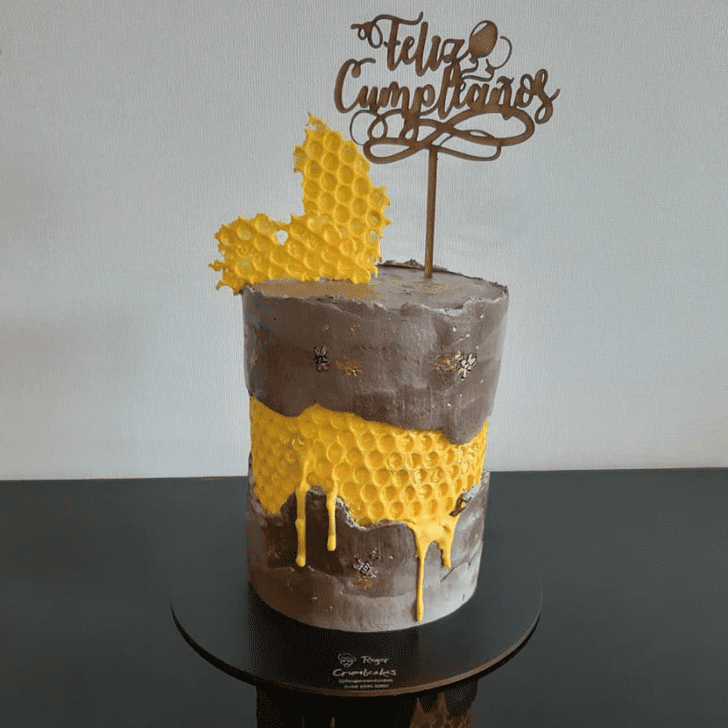 Mesmeric Bee Cake