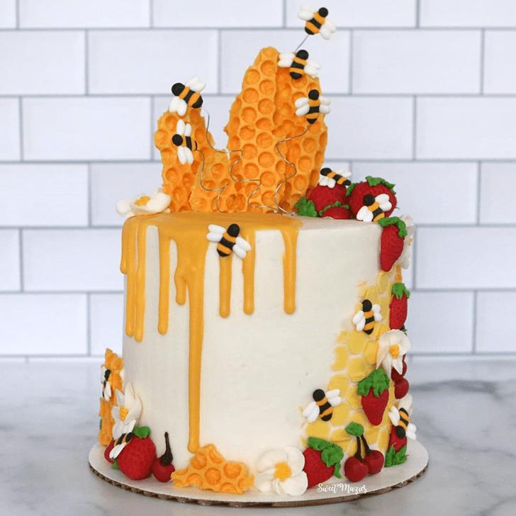 Splendid Bee Cake