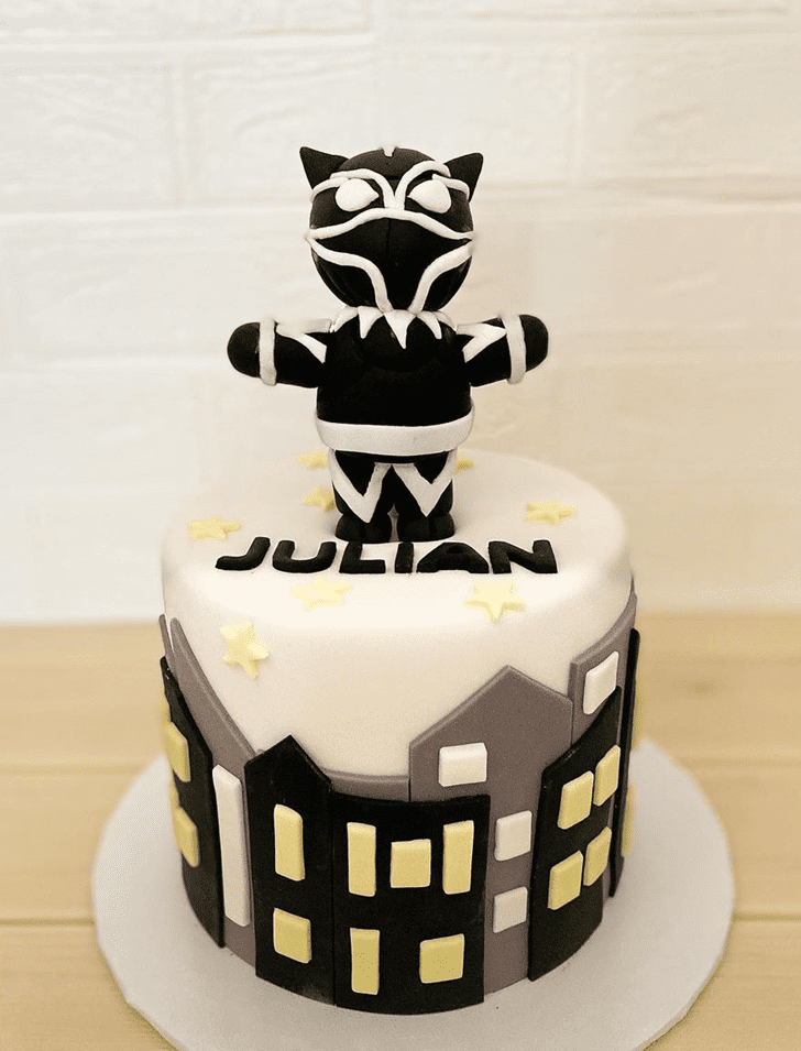 Beauteous Black Panther Cake
