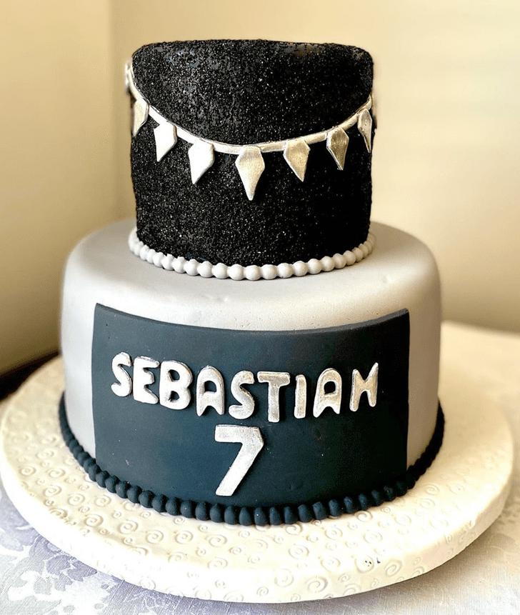 Elegant Black Panther Cake