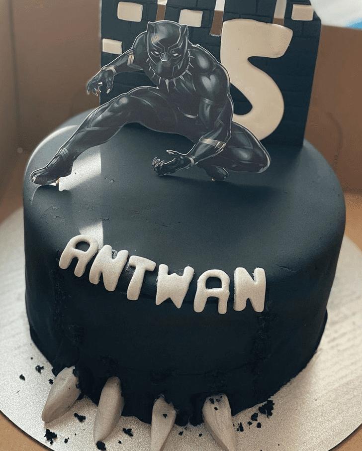Magnetic Black Panther Cake