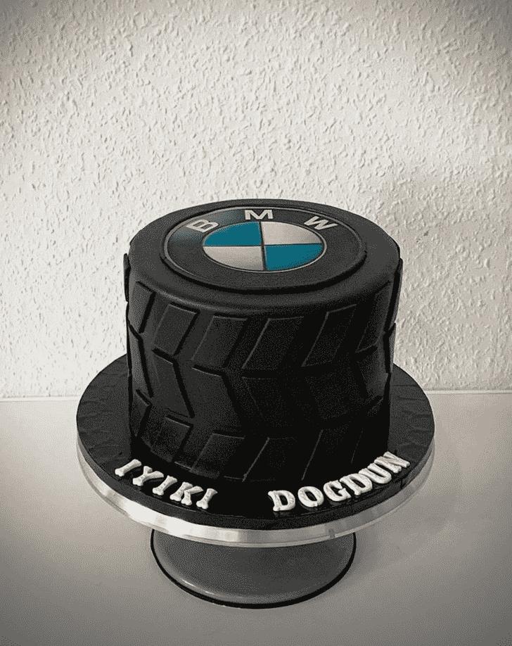 Admirable BMW Cake Design