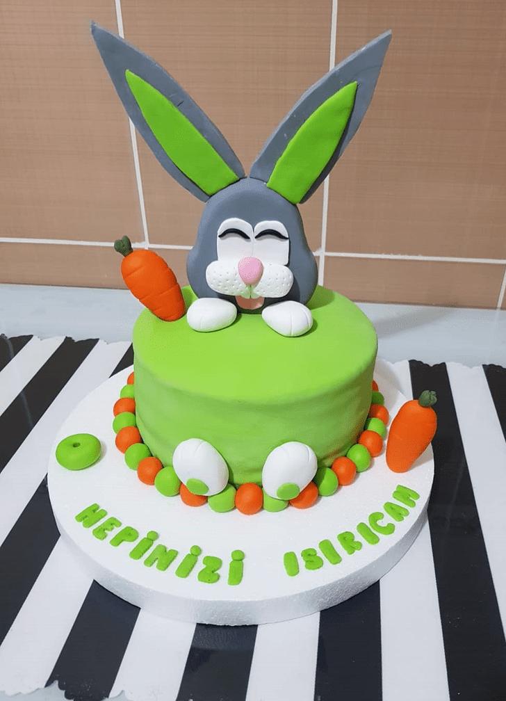 Admirable Bugs Bunny Cake Design