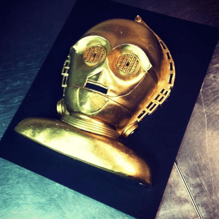 Cute C-3PO Cake