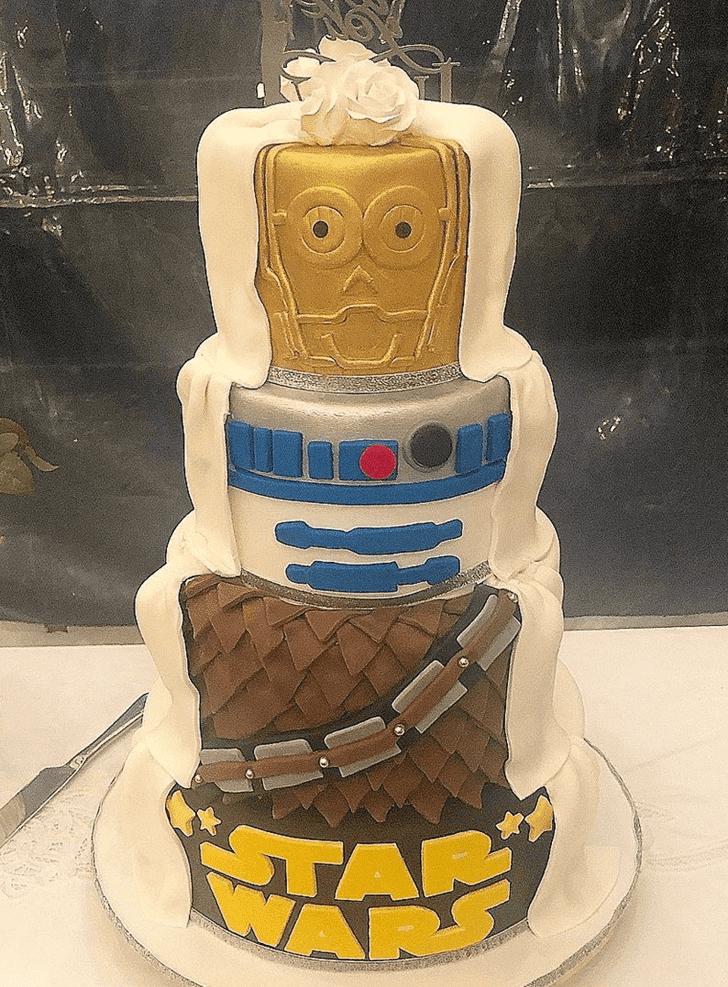 Enthralling C-3PO Cake