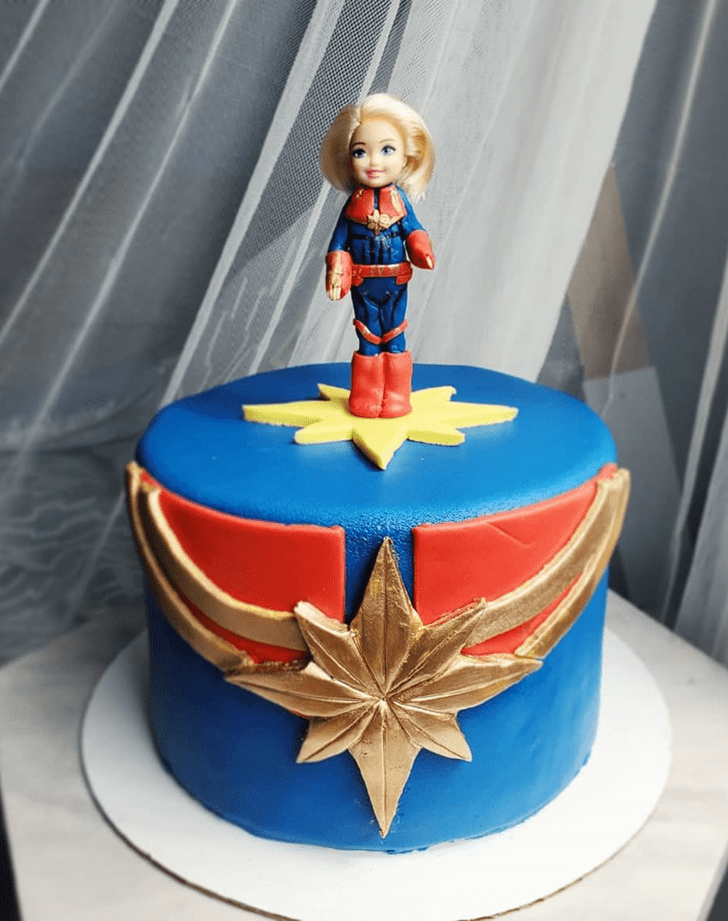 Exquisite Captain Marvel Cake