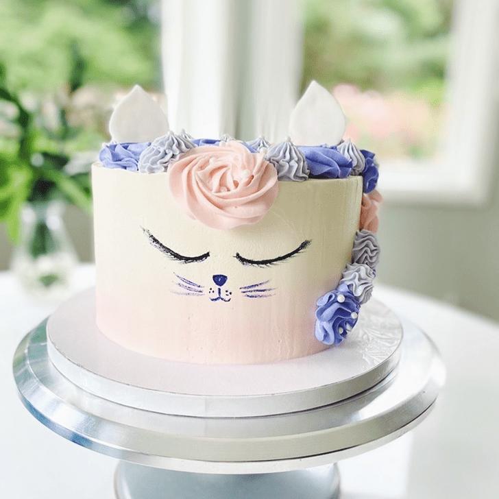 Exquisite Cat Cake