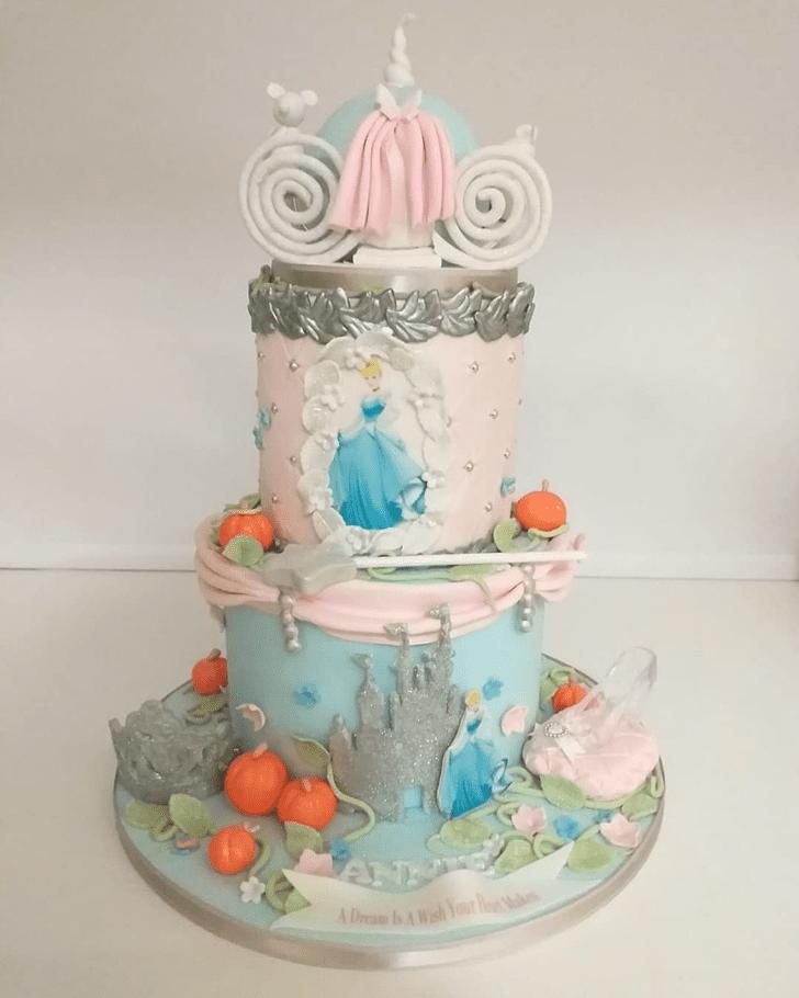Good Looking Cinderella Cake