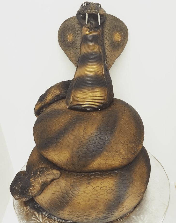 Cute Cobra Cake