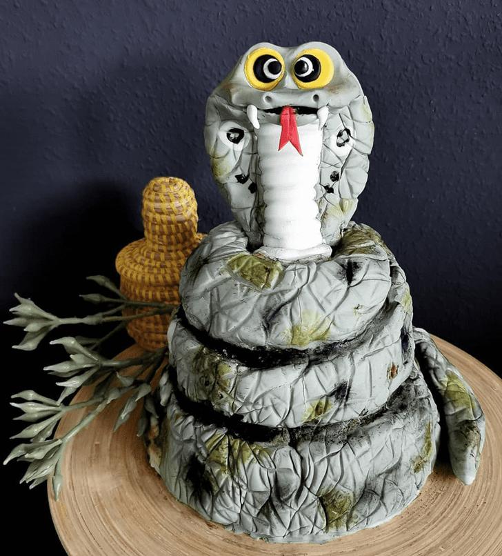 Delightful Cobra Cake