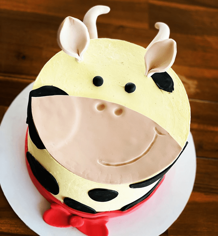 Appealing Cow Cake