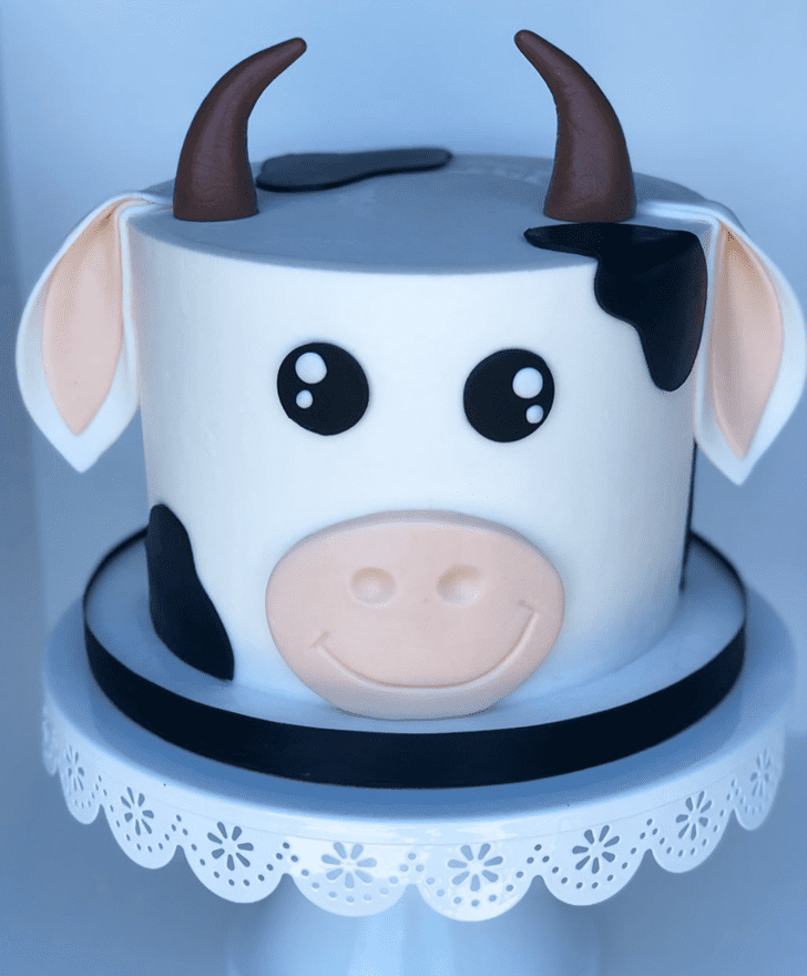 Fascinating Cow Cake
