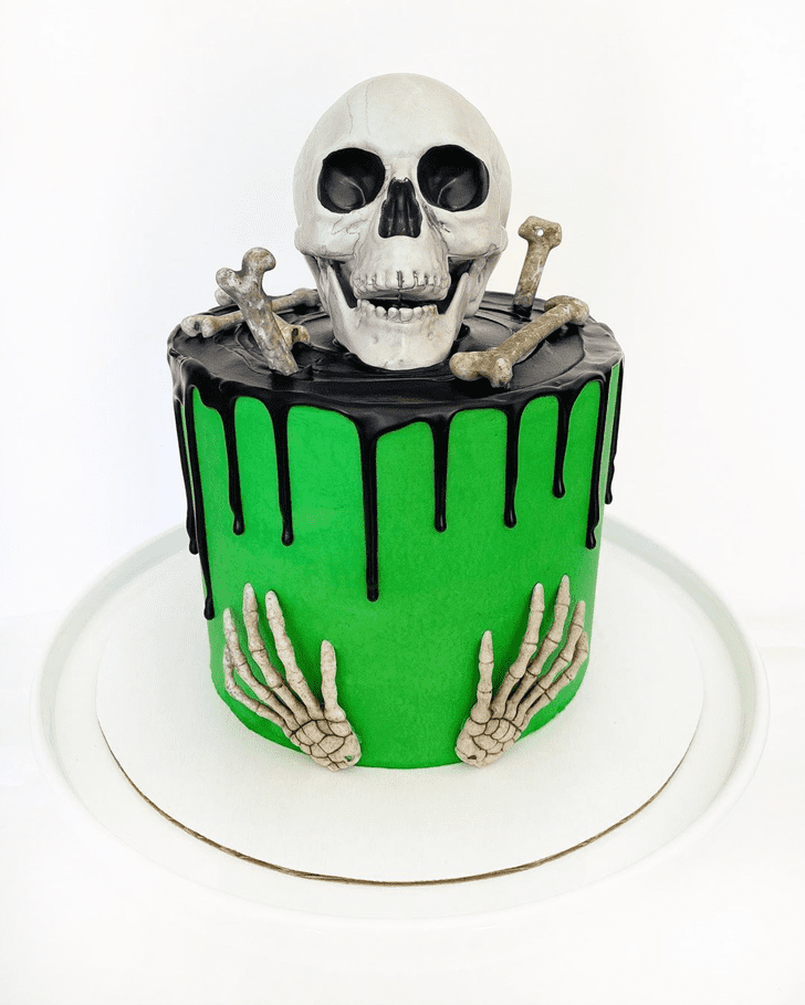 Lovely Creepy Cake Design