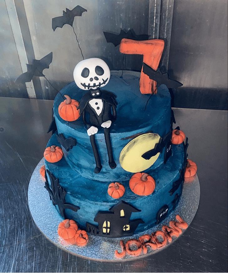 Stunning Creepy Cake
