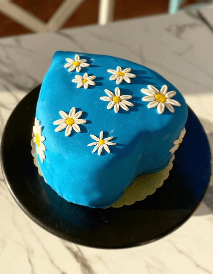 Adorable Daisy Cake