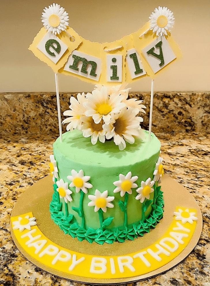 Delicate Daisy Cake
