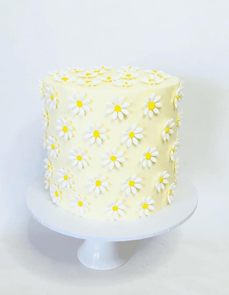 Elegant Daisy Cake