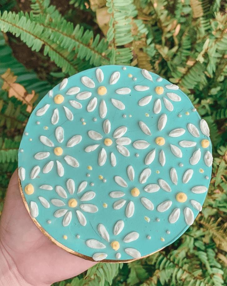 Enticing Daisy Cake