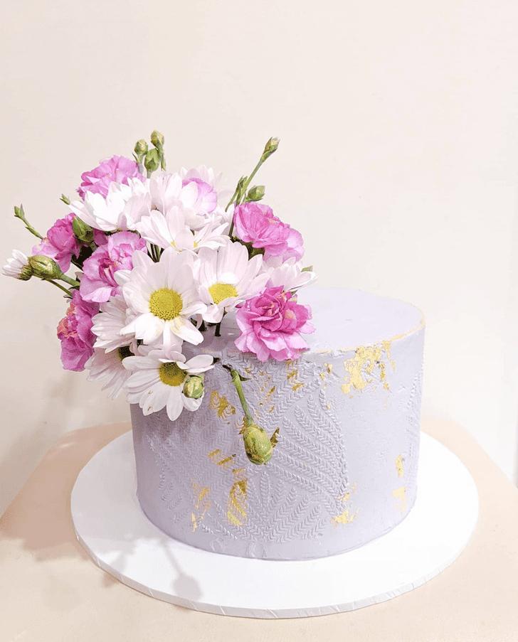 Gorgeous Daisy Cake