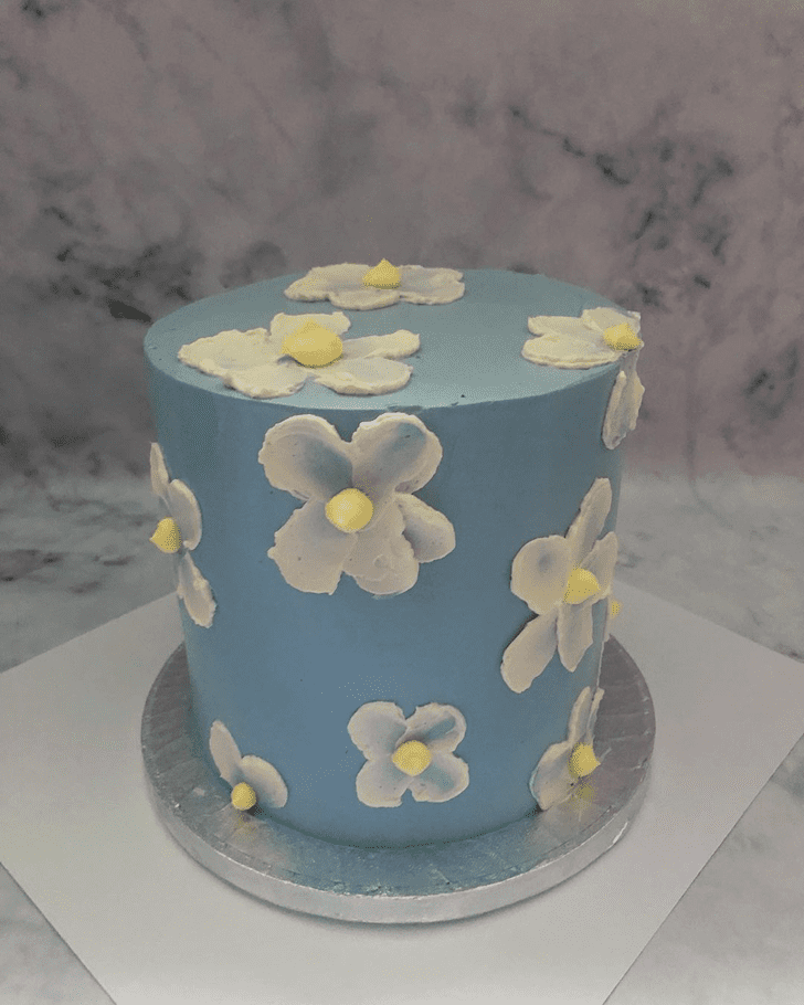 Magnificent Daisy Cake