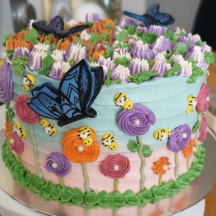 Resplendent Daisy Cake