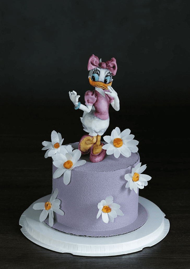 Adorable Daisy Duck Cake