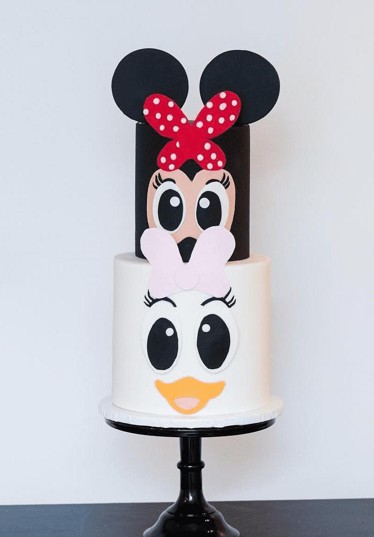 Inviting Daisy Duck Cake