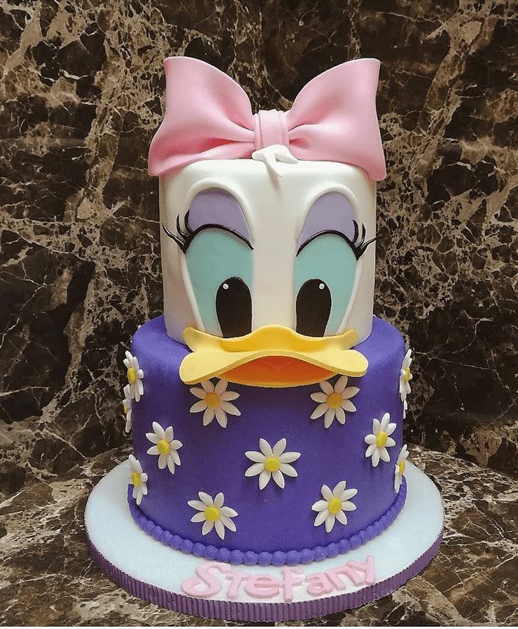 Nice Daisy Duck Cake