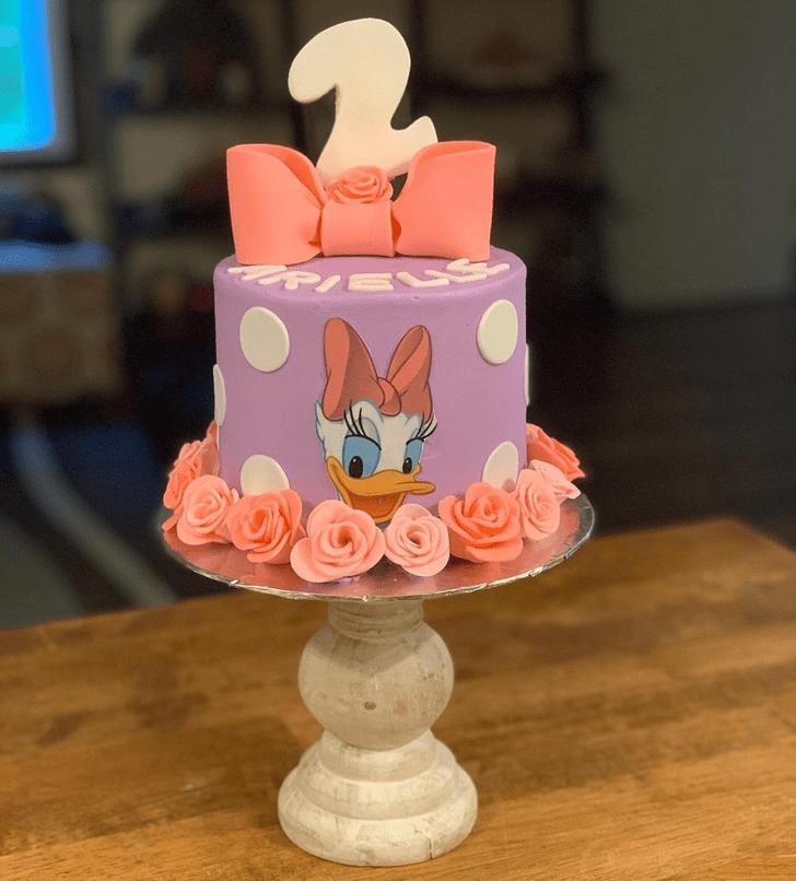 Ravishing Daisy Duck Cake