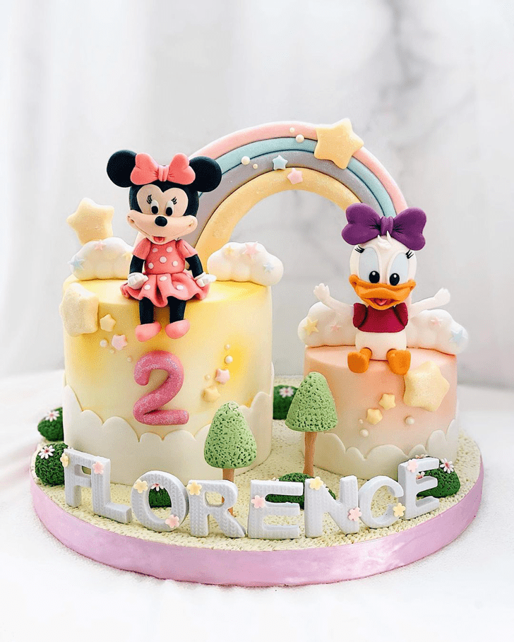 Stunning Daisy Duck Cake