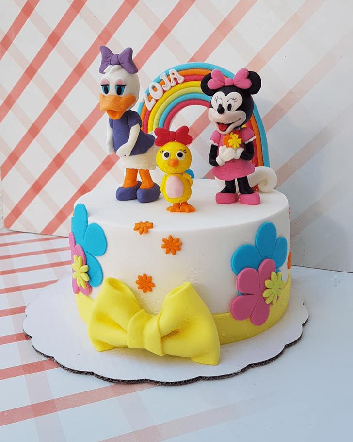 Superb Daisy Duck Cake