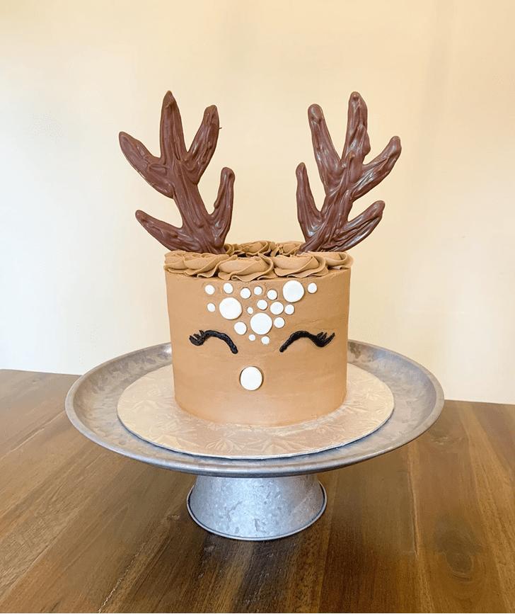 Beauteous Deer Cake